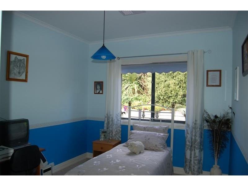 11 Mulberry Grove, Aberfoyle Park SA 5159