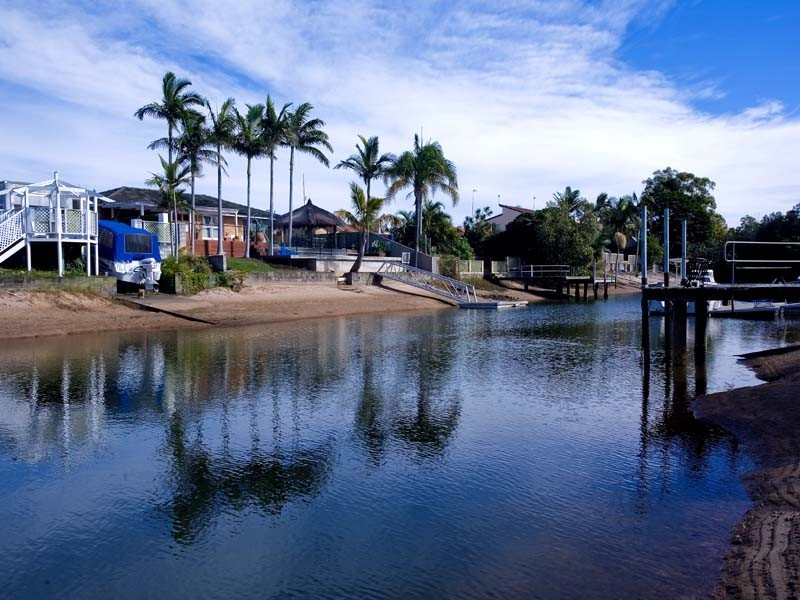 4 Pensacola Crt, Broadbeach Waters QLD 4218