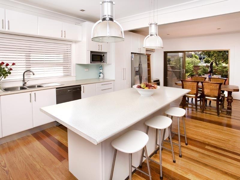 76 Macquarie Street, Chifley NSW 2036