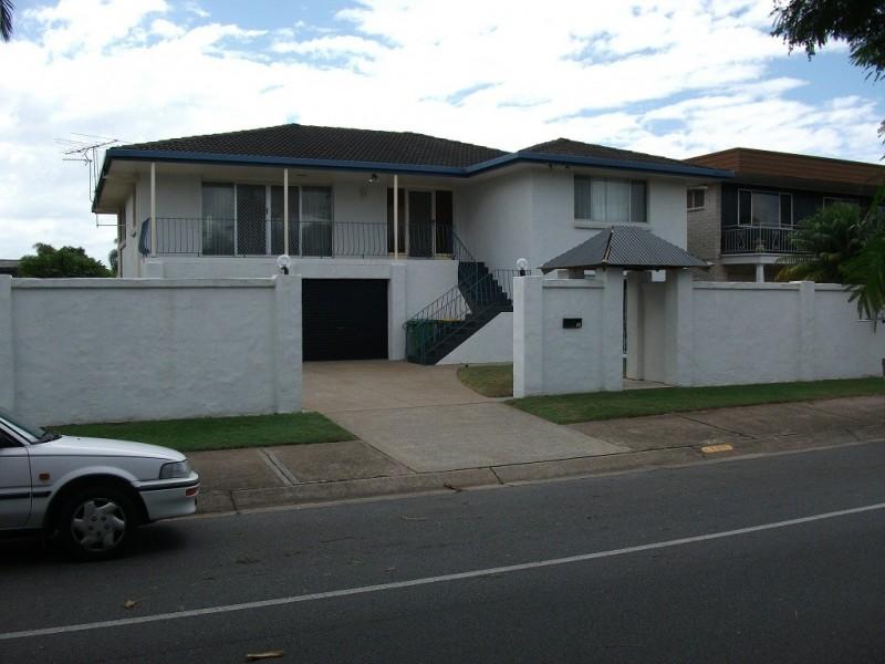 11 Poinciana Blvd, Broadbeach Waters QLD 4218