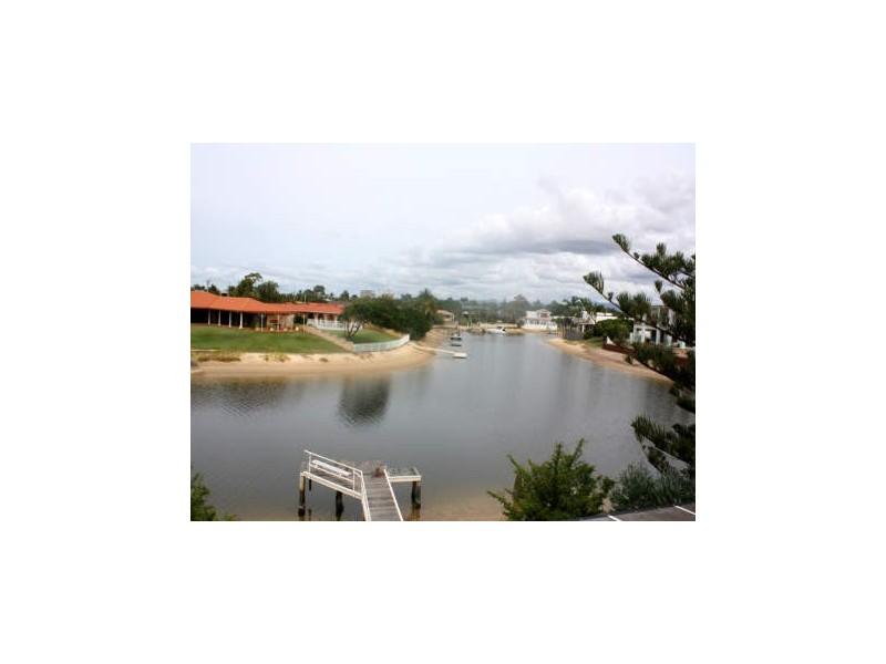 13 Beverley Crs, Broadbeach Waters QLD 4218