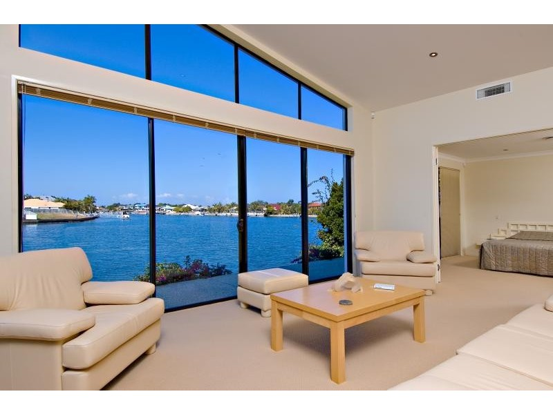 6 Tripcony Court, Pelican Waters QLD 4551