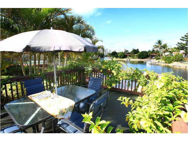 42 Cocos Cres, Broadbeach Waters QLD 4218
