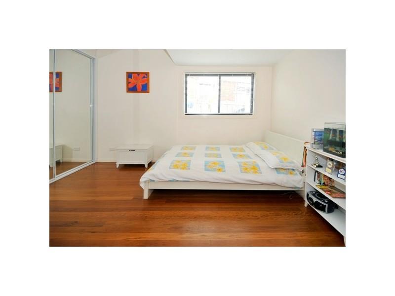 38 Burke St, Chifley NSW 2036