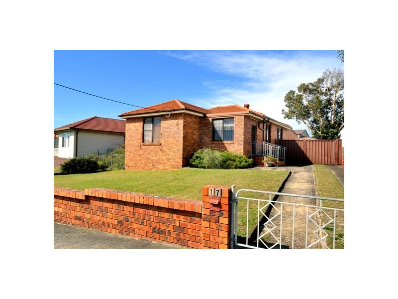 17  Mawson Pde, Chifley NSW 2036