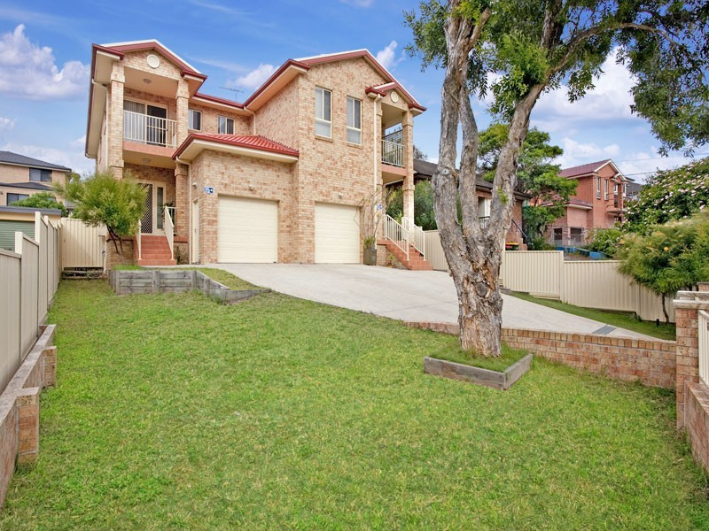 9 Hastings Ave, Chifley NSW 2036