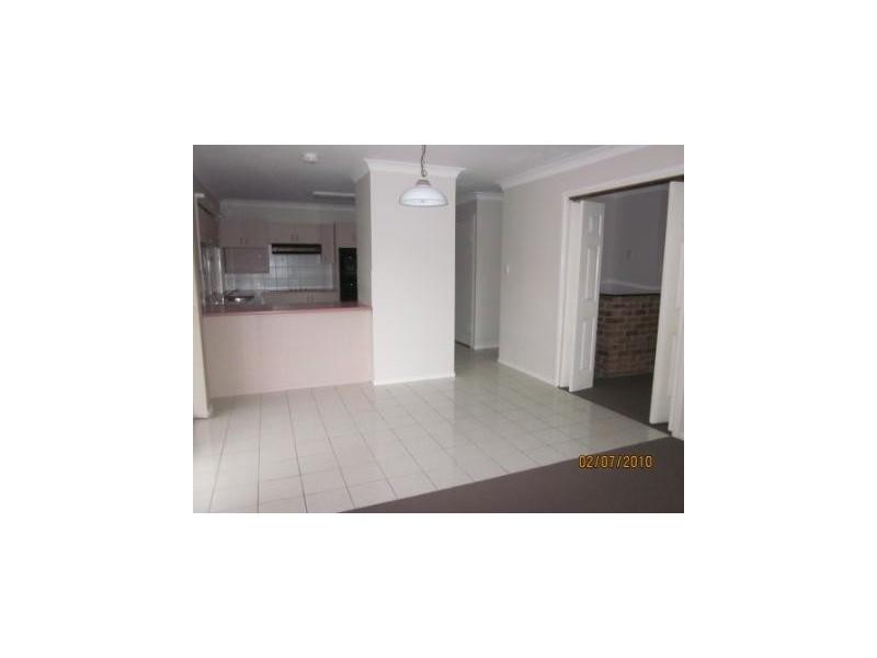 4 Elton Street, Daisy Hill QLD 4127