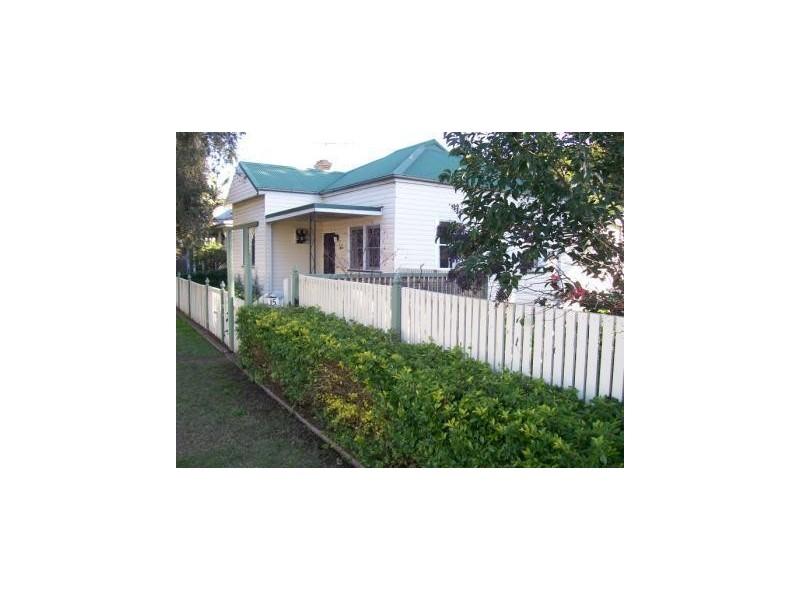 15 Bathurst Street, Singleton NSW 2330