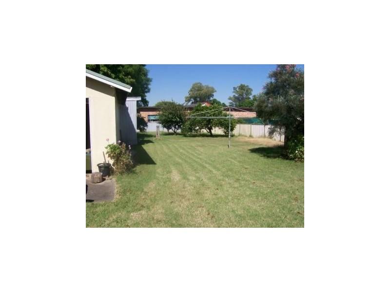 5 Dangar Road, Singleton NSW 2330