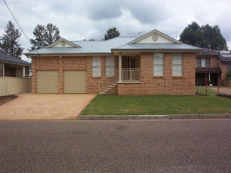 17 Wynyard Street, Singleton NSW 2330
