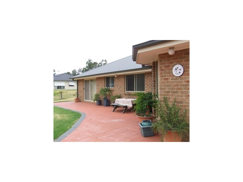 22 Llanrian Drive, Singleton NSW 2330