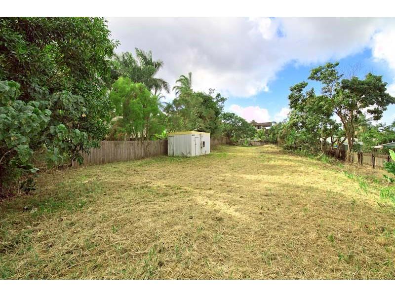 3 Rockton Place, Mooroobool QLD 4870