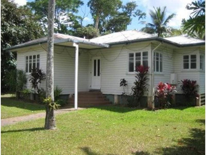 116 Callaghan Street, Mooroobool QLD 4870