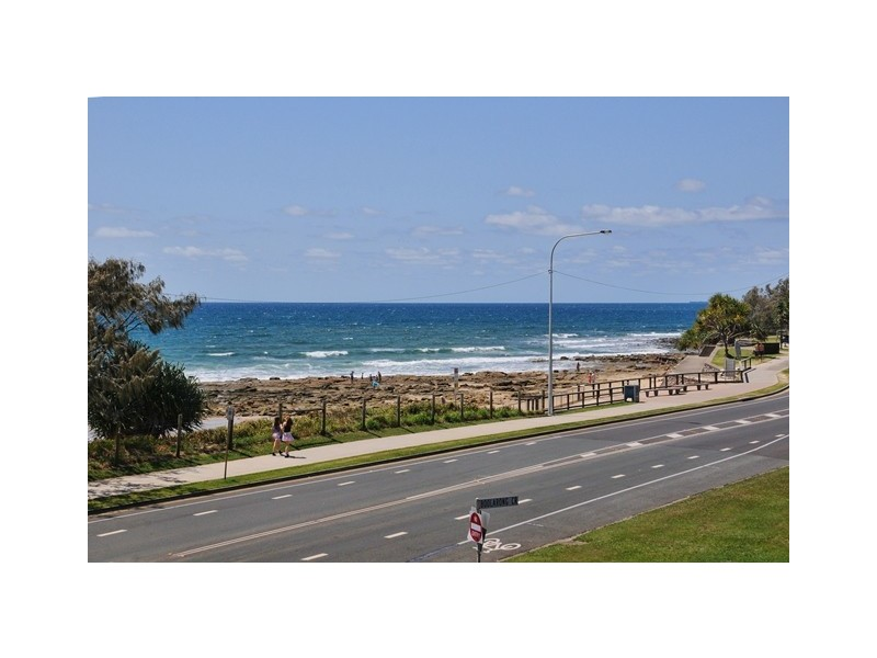 Unit 8 'Huntington' 21 Boolarong Crescent, Alexandra Headland QLD 4572