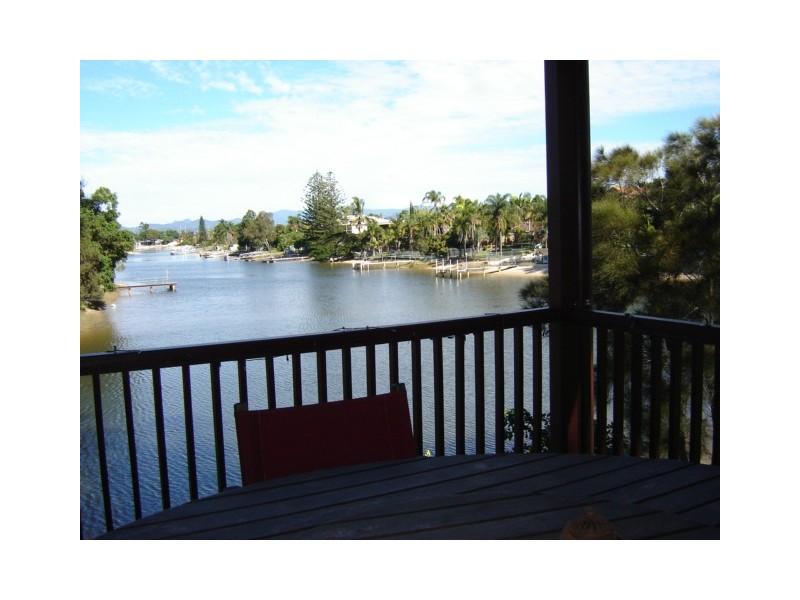 76 Poinciana Waters, Broadbeach Waters QLD 4218