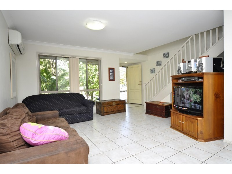 27/2 Koala Town Road, Upper Coomera QLD 4209
