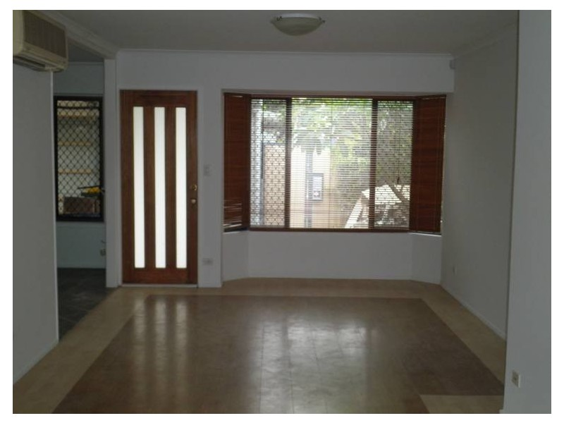 4 Iando Street, Coombabah QLD 4216