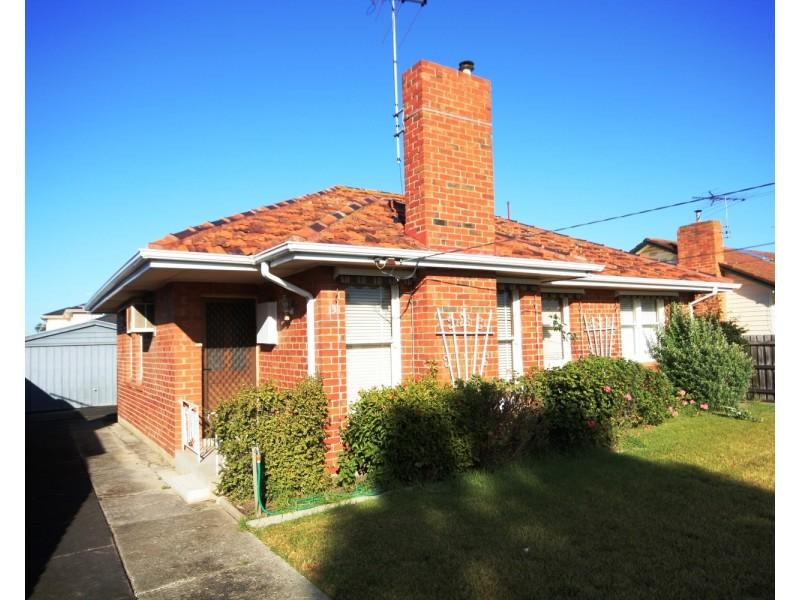 13 Moss Court, Glenroy VIC 3046