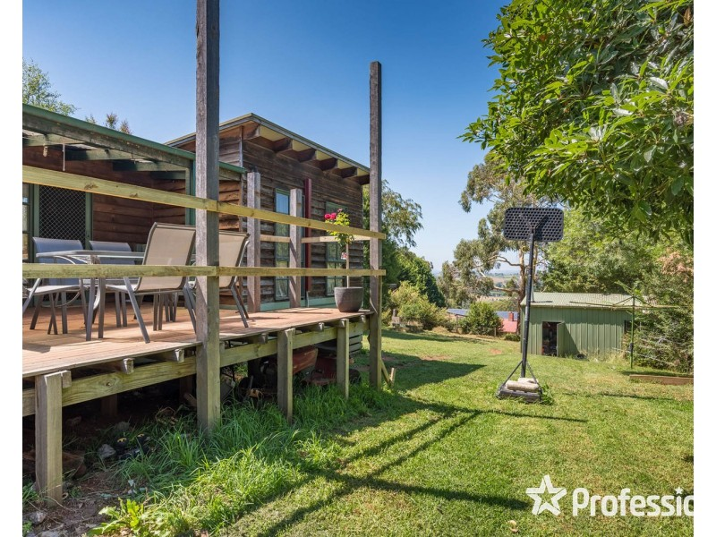 22 Joyce Road, Seville East VIC 3139