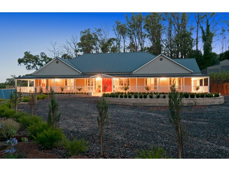 32 Queens  Road, Silvan VIC 3795