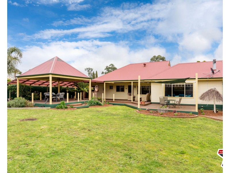 23 Prospect Road, Wandin North VIC 3139