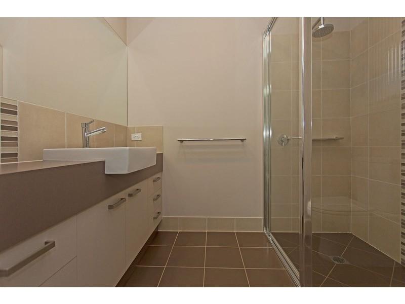 7 Featherstone  Avenue, Albury NSW 2640