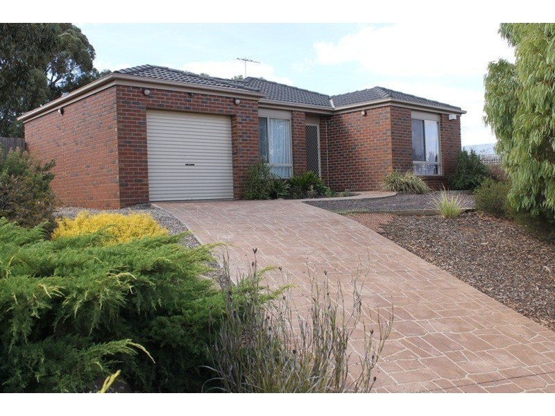 13 McLennan Avenue, Bacchus Marsh VIC 3340