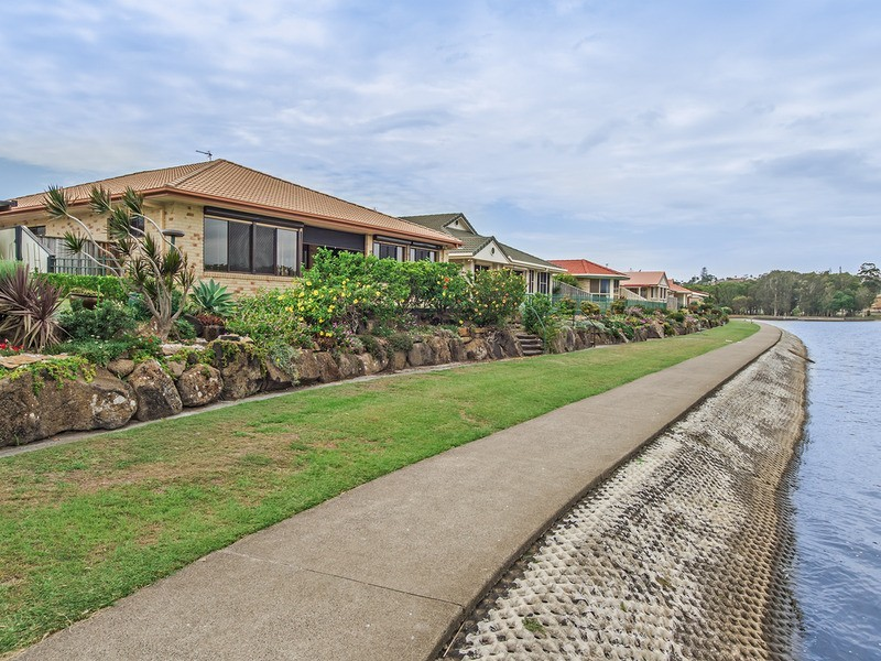 6 Kimberley Circuit, Banora Point NSW 2486