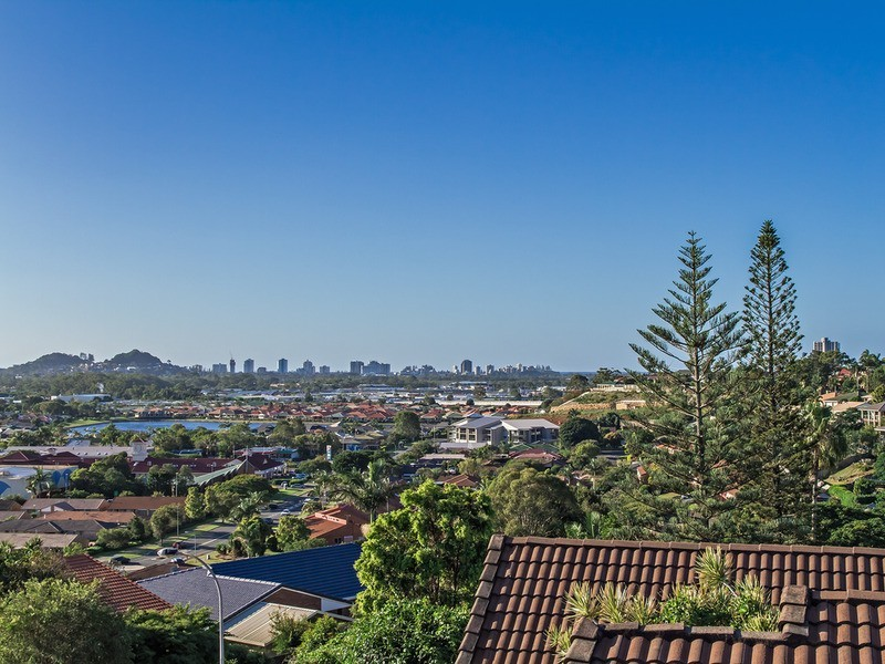 40 Castlecrag Avenue, Banora Point NSW 2486