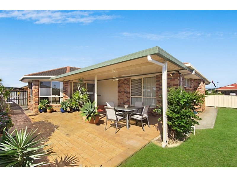 66 Winders Place, Banora Point NSW 2486