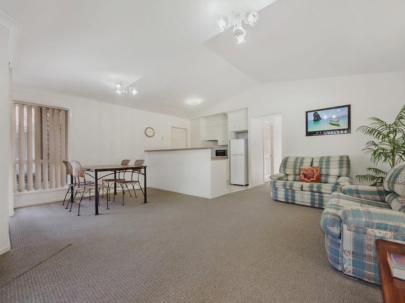 2/17 Casuarina Drive, Banora Point NSW 2486