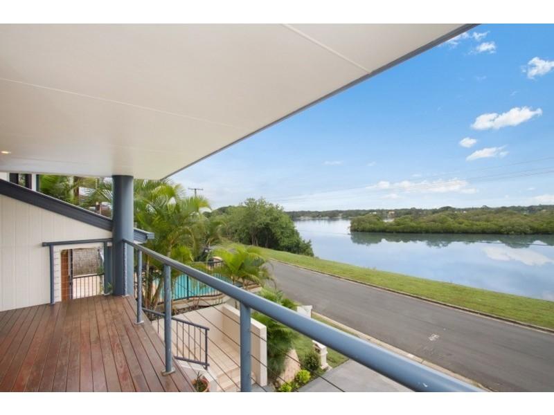 41 Bimbadeen Avenue, Banora Point NSW 2486