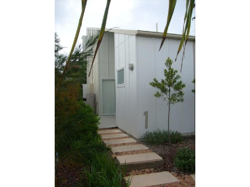 1 Pandanus Pocket, Cas Way, Casuarina NSW 2487
