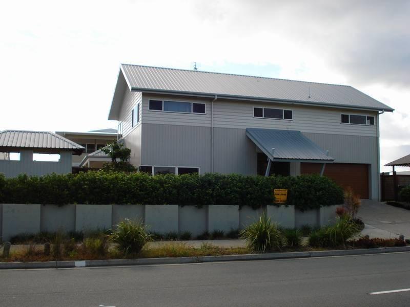 Casuarina  Way, Casuarina NSW 2487