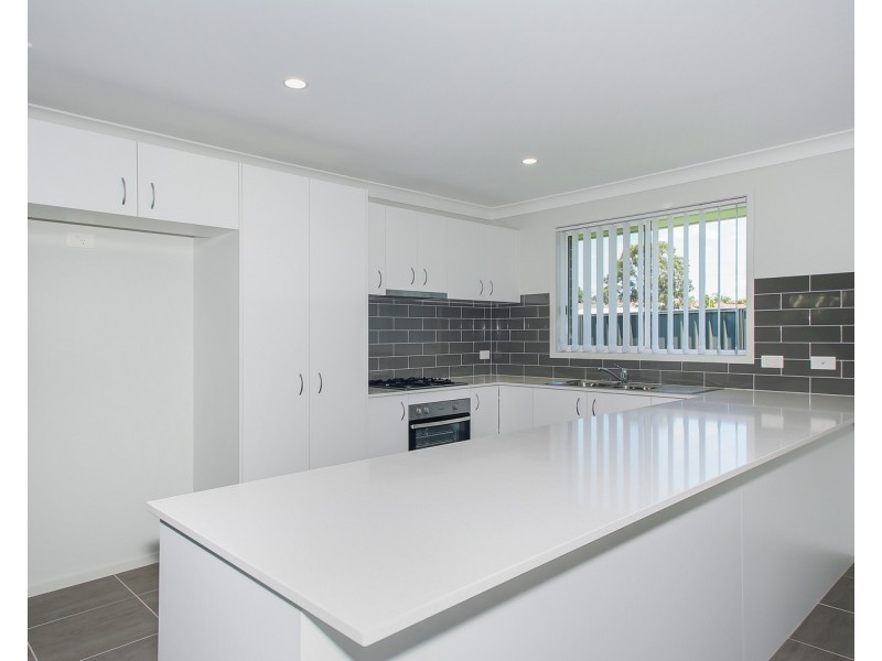 9 Burlington Close, Cameron Park NSW 2285