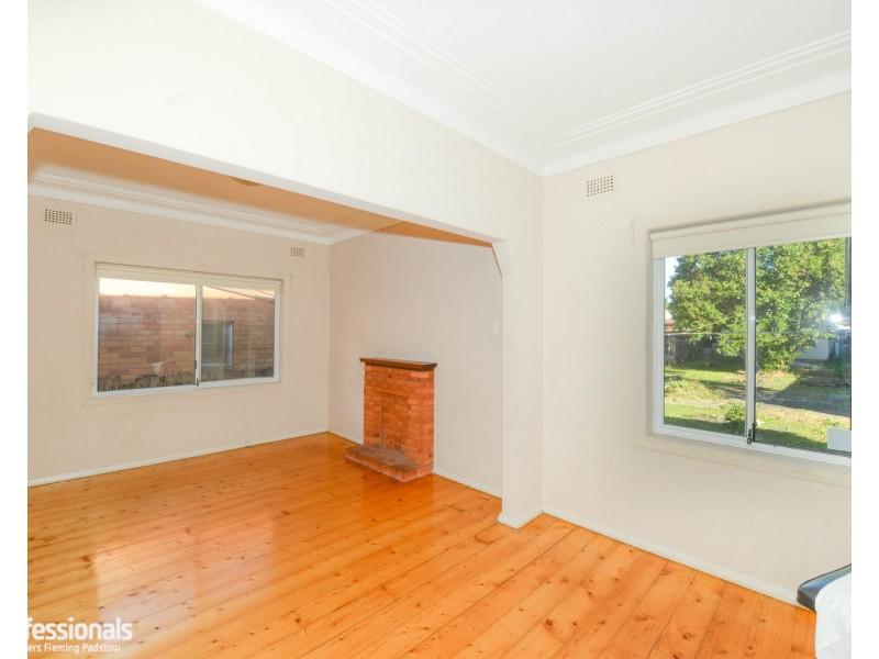 9 Swan Street, Revesby NSW 2212