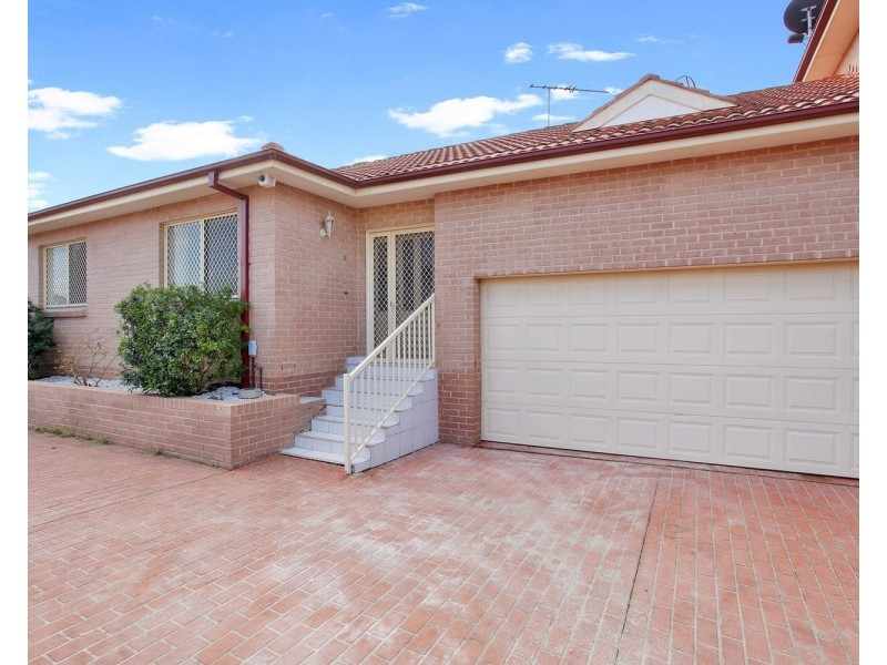 2/74 Sir Joseph Banks Street, Bankstown NSW 2200
