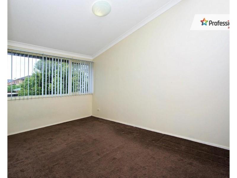 3/155 GREENACRE Road, Greenacre NSW 2190