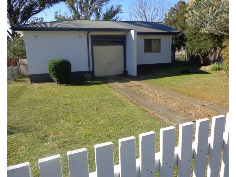 16 Parkes Crescent, Blackett NSW 2770