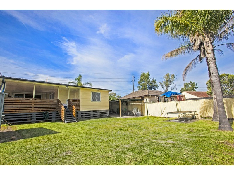 4 Finisterre Avenue, Whalan NSW 2770