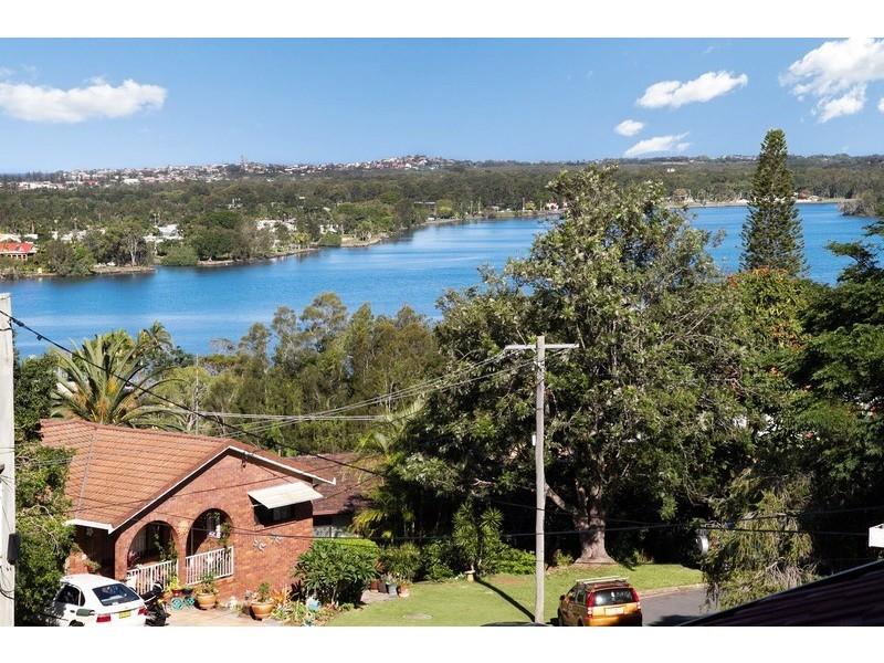 4 Mibbin Parade, Banora Point NSW 2486