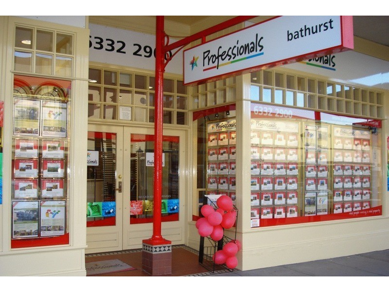 Professionals Bathurst, Bathurst NSW 2795