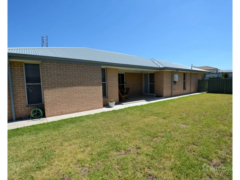 12 Robertson Street, Lithgow NSW 2790