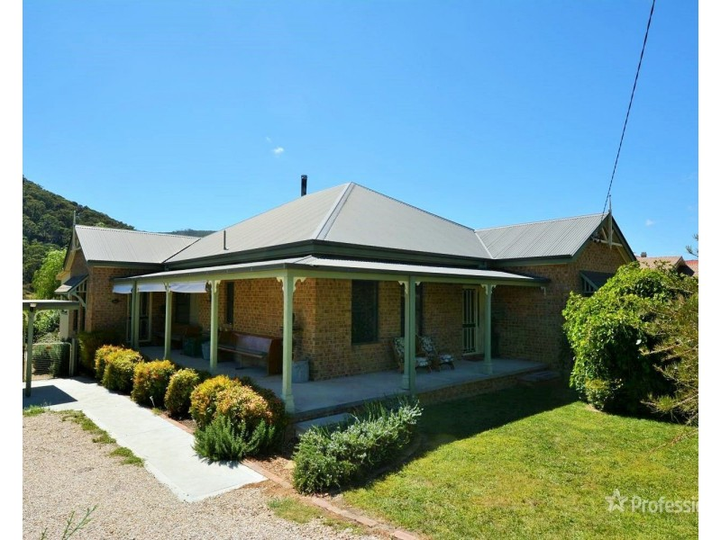 55 Cooerwull Road, Lithgow NSW 2790