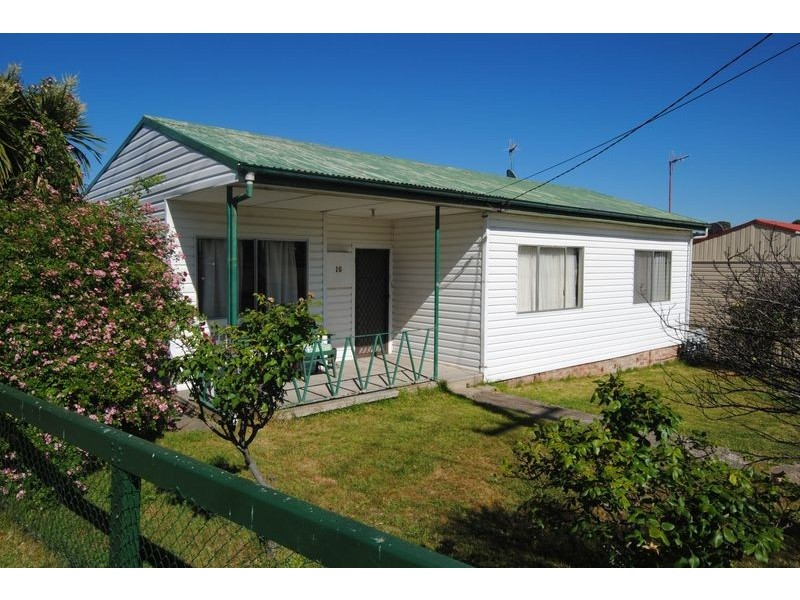 16 Outer Crescent, Lithgow NSW 2790