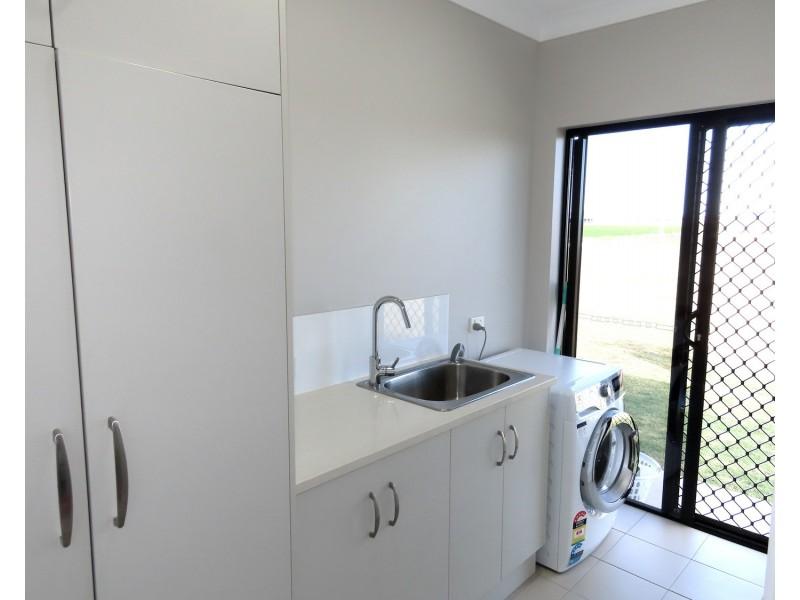 11 Sandy Lane, Bowen QLD 4805