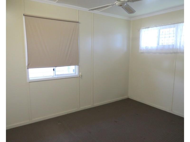 4 Darwen Street, Bowen QLD 4805