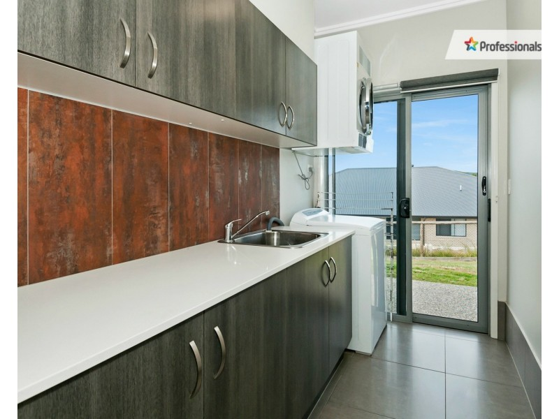 207 Bottlebrush Drive, Jimboomba QLD 4280