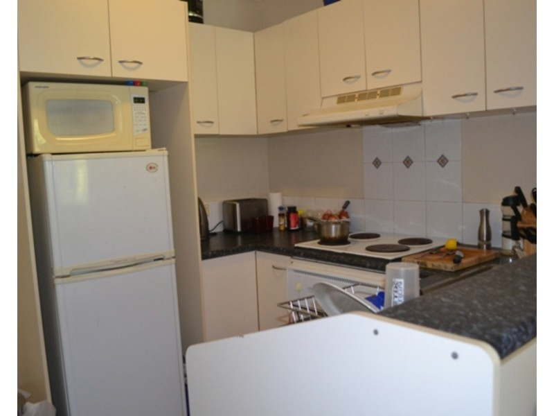 15/14 Spendelove Street, Southport QLD 4215