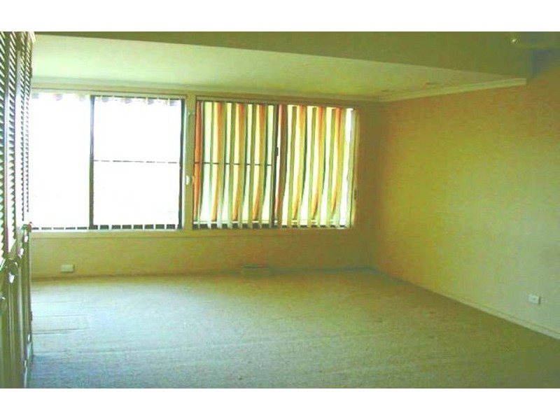 6 Mulyan Place, Ashmore QLD 4214